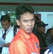 http://gado2net.files.wordpress.com/2009/04/ryan-jombang.jpg